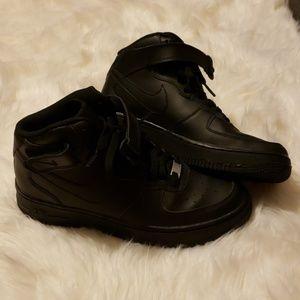 Nike air mid tops